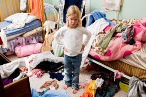 Girl-in-Messy-Room