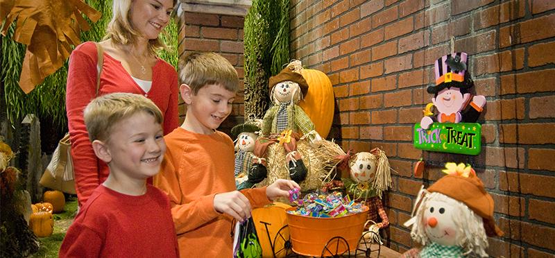 EnterTRAINment Junction Halloween